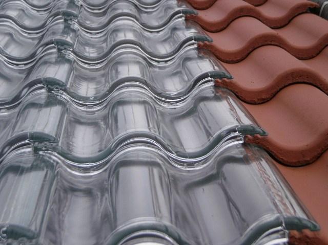 Tejas-solares-de-vidrio