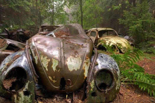 chatillon-car-graveyard-abandoned