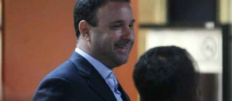 Juiz-Joao-Carlos-de-Souza-Correa-que-dirigia-carro-sem-placa-prestando-depoimento-na-14DP-no-Leblon-Foto-Marcio-AlvesAgencia-O-Globo