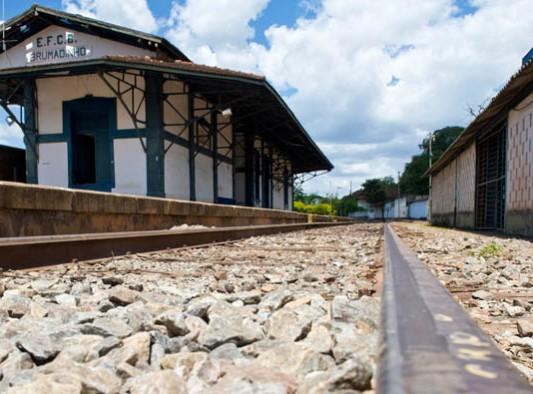 estacao-ferroviaria-533x394