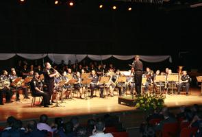 28-03-08-banda_gcm-teatro_olido_094_1364845966