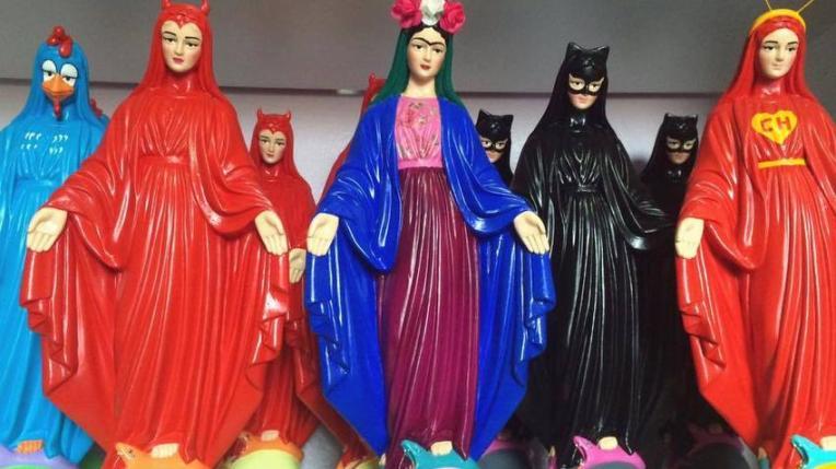 1518015431427-santa-blasfemia-imagens-religiosas-personagens-body-image-1456250688